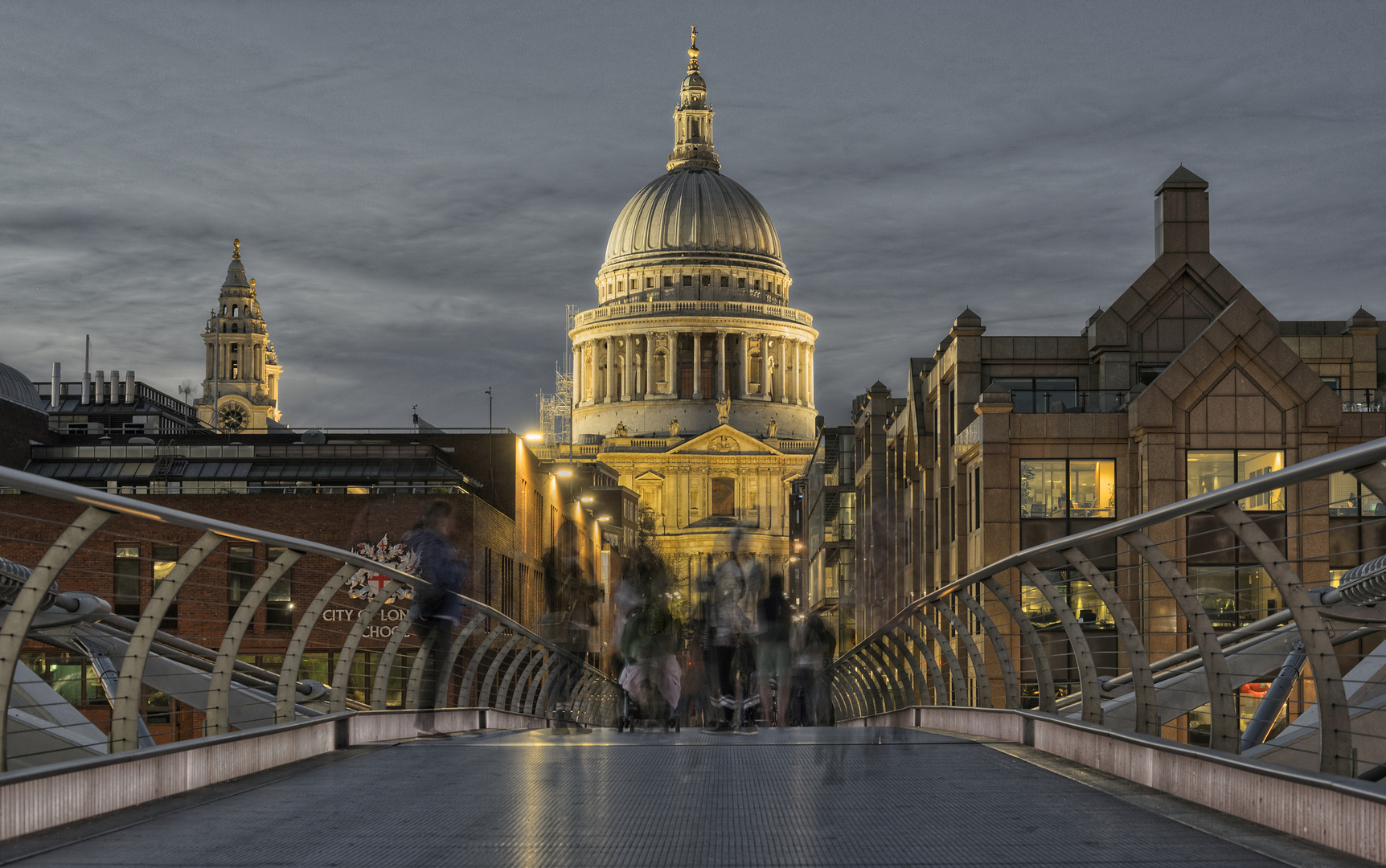 St Pauls von Milleniumbridge