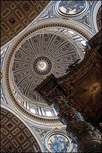 St. Peter: Dom und Baldakin. Michelangelo und Bernini.