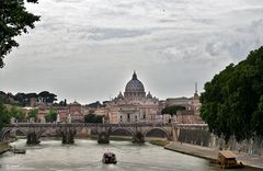 St- Peterskirche mit Ponte Sant Angelo