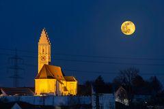 St. Stephan mit Vollmond