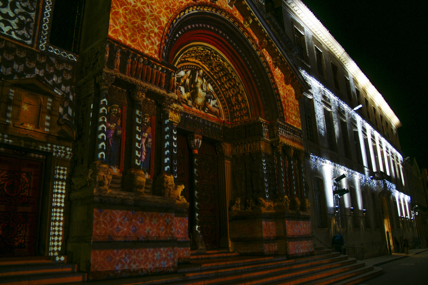 st. Trophime Lumiere Fassade 2007