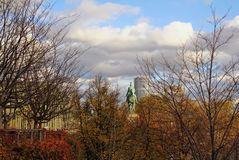 Stadt-Detail im Herbstglanz