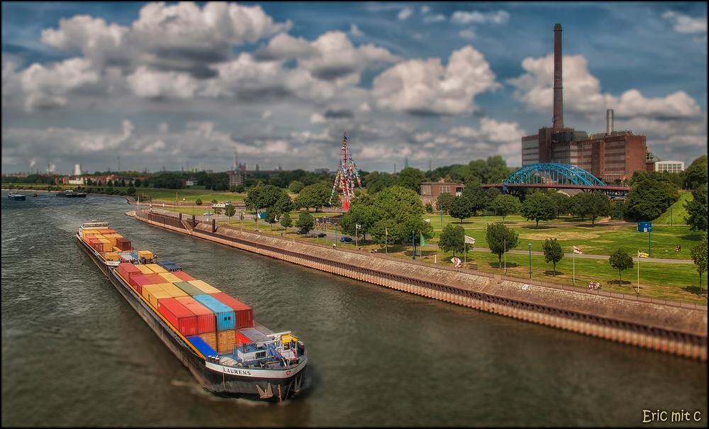 Fluss Mit C Stadt Land Fluss