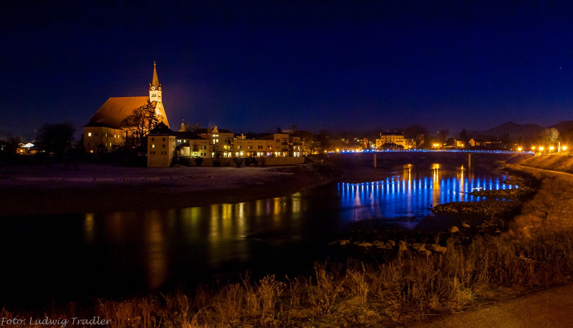 Stadt Laufen an der Salzach mit der Europabrücke