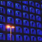 """Stadtbibliothek Stuttgart  während der """"blauen Stunde"""""""
