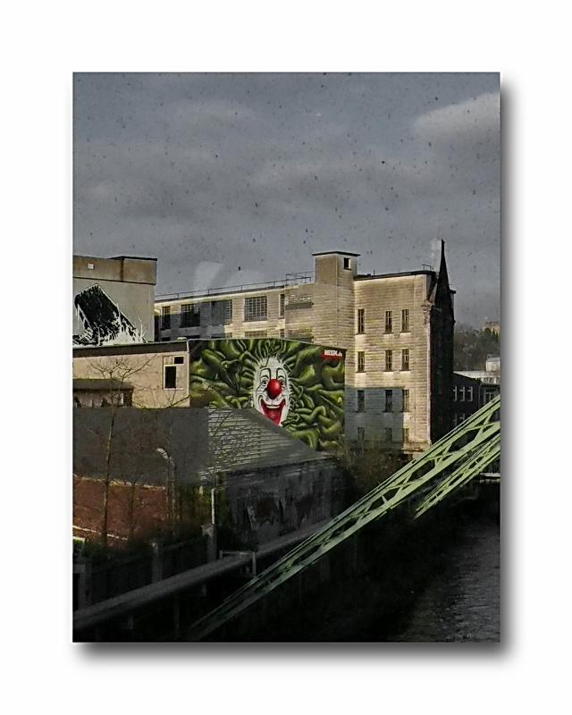 Stadtbild 62 ... HAH! no more Schwebebahn till April 2010 (so ein Mist)