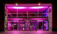 Stadthalle Eingang,  Pink