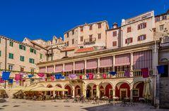 Stadtloggia, Sibenik, Dalmatien, Kroatien