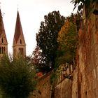 Stadtmauer mit Dom