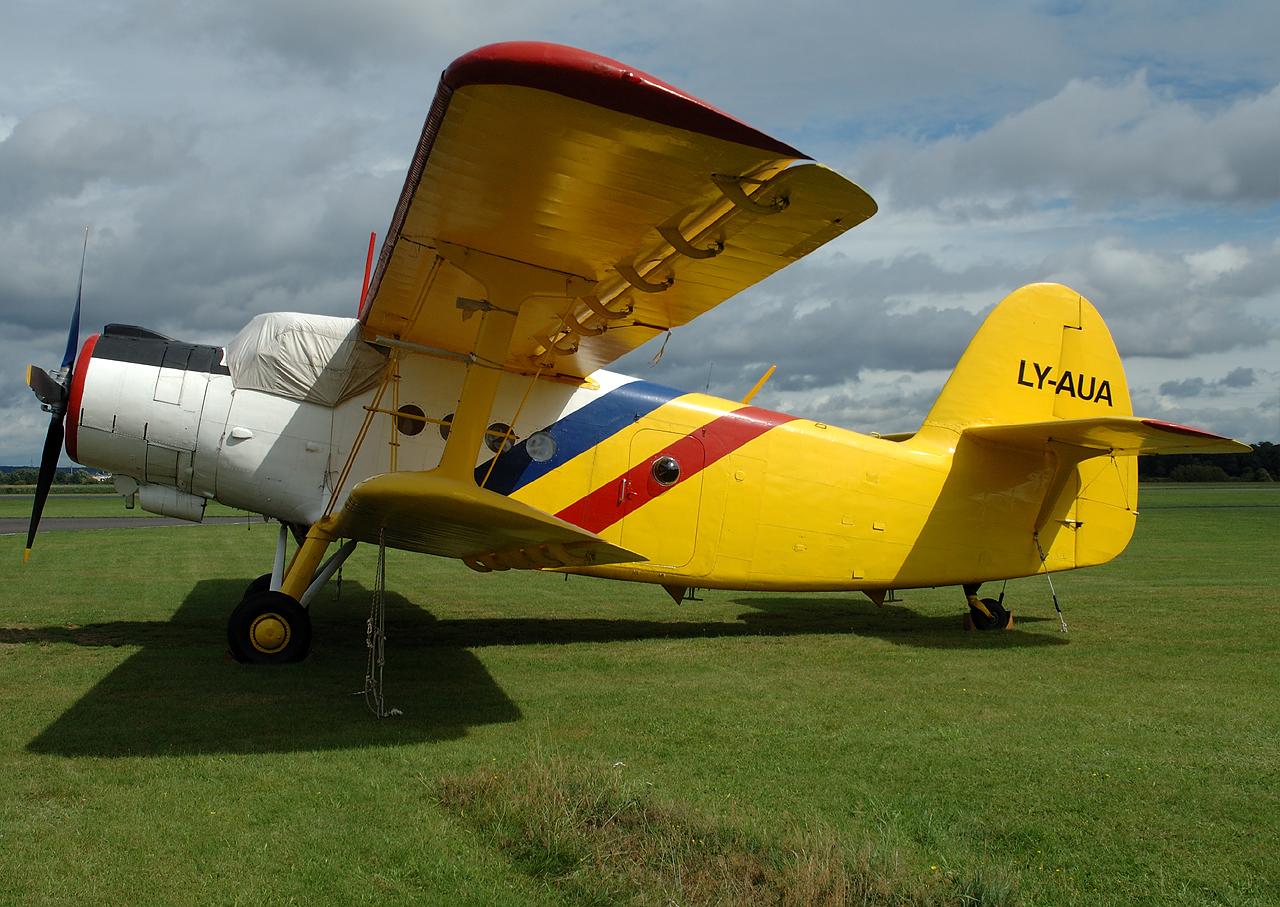 Stand am Wochenende als zweite AN-2 in Bonn-Hangelar.