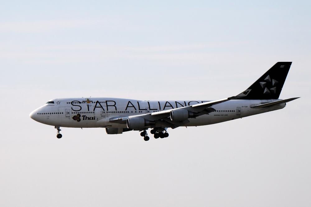 Star Alliance Jumbo Thai Airways Boeing 747-4D7