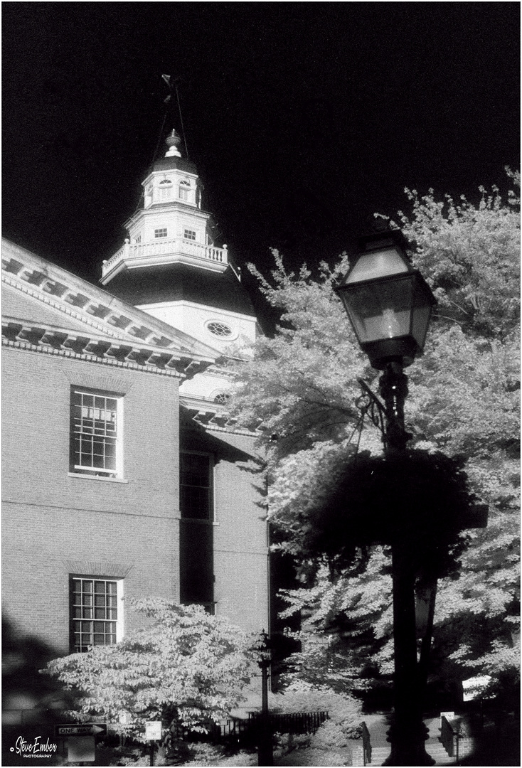 State Circle, Summer Afternoon - An Annapolis Infrared Impression
