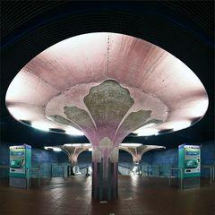 * Station Westend *