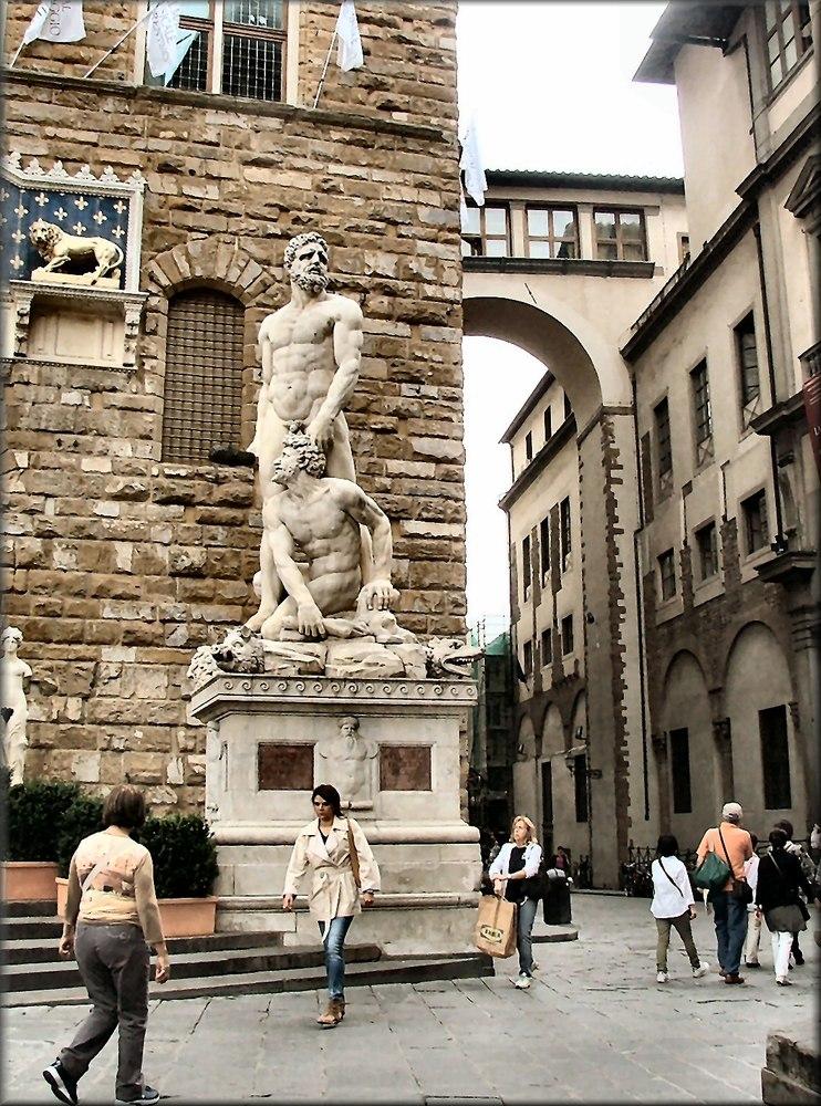 Statua al Palazzo Vecchio...Wie Dazumal.