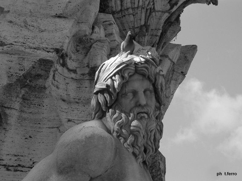 Statua con Piccione