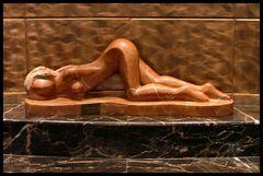 * Statua *