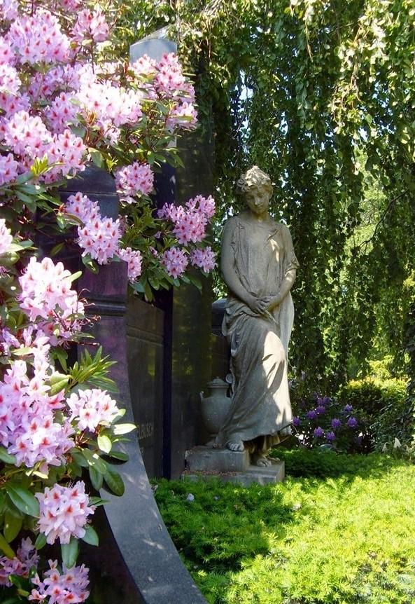 Statue auf dem Braunschweiger Hauptfriedhof