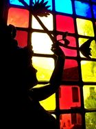 statue aux trois couleurs