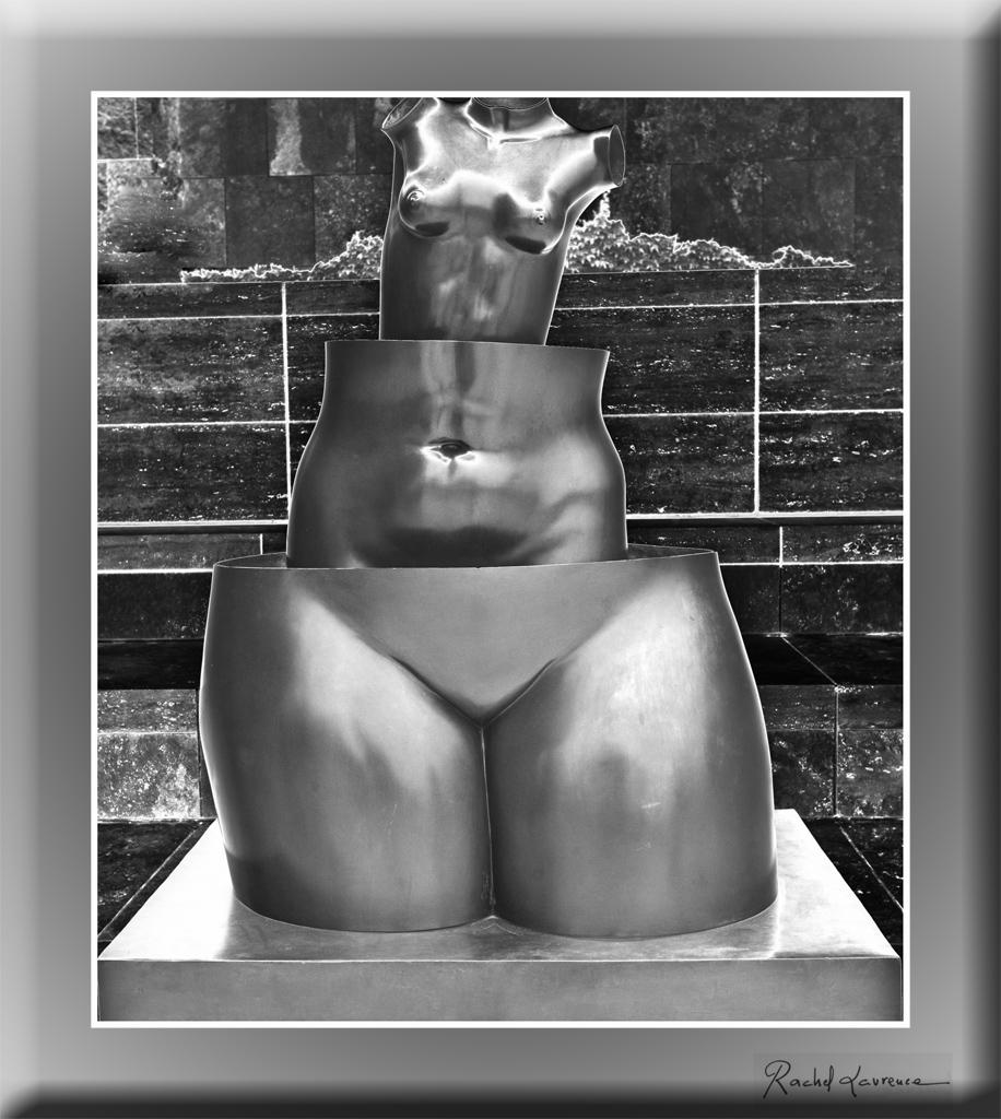 Statue de René Magritte au Getty Center Los Angeles