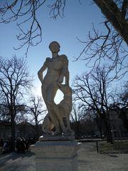 Statue d'Endymion - Jardins de la Fontaine - Nimes