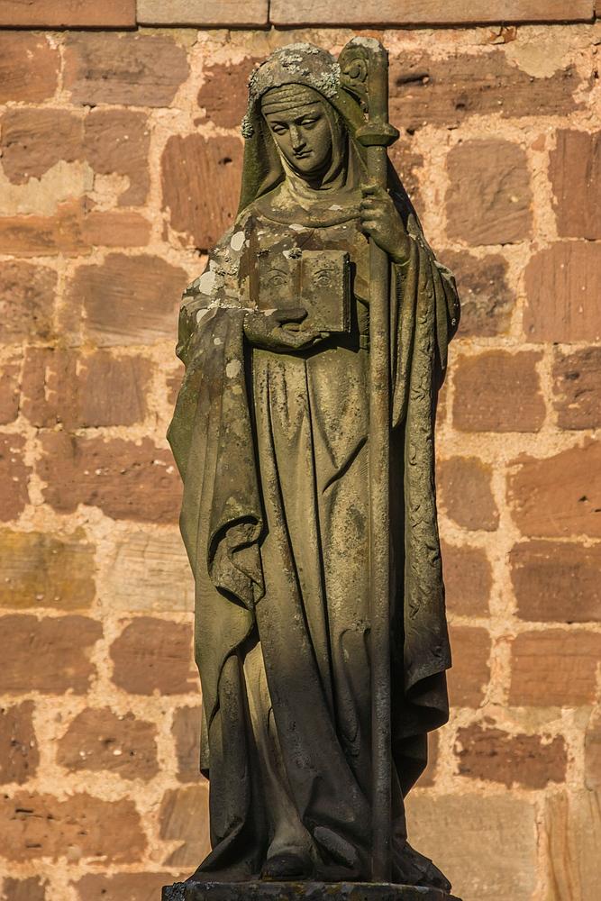 Statue der heiligen Odilia