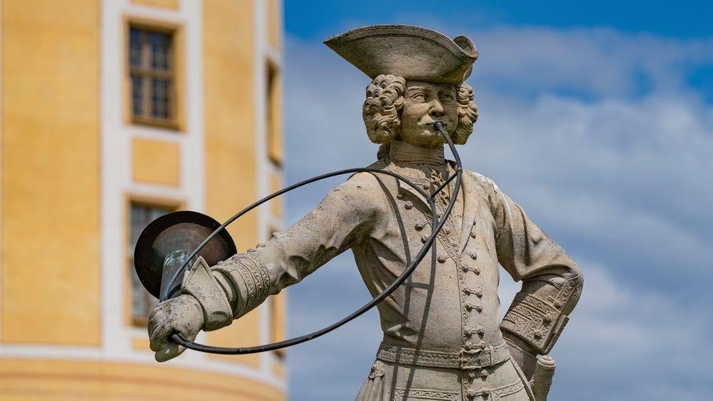 Statue eines Hornisten