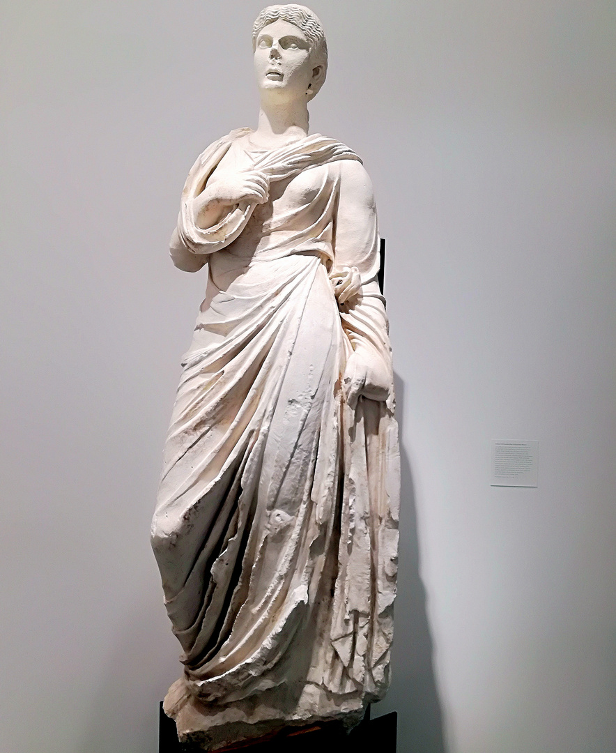 Statue féminine dite d'Antonia Minor