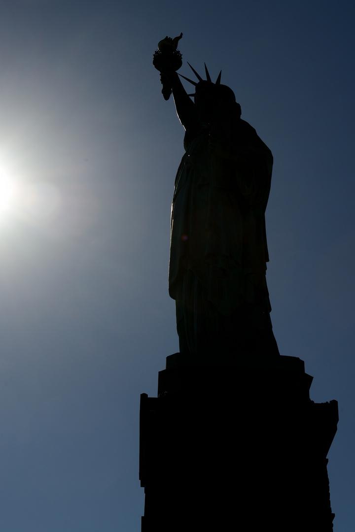 Statue of Liberty im Gegenlicht