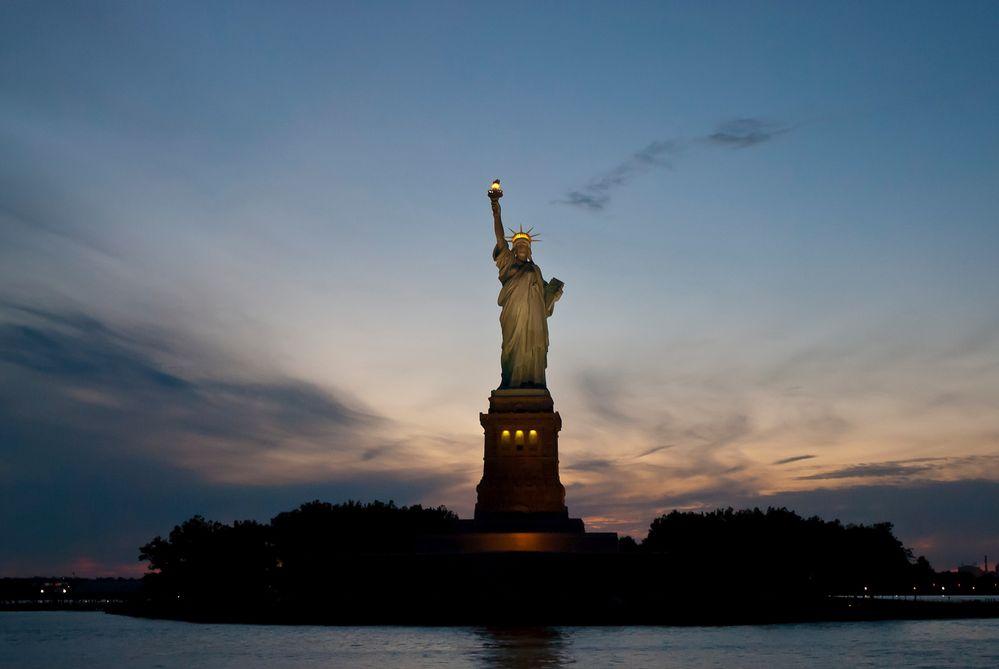 Statue of Liberty in der Dämmerung