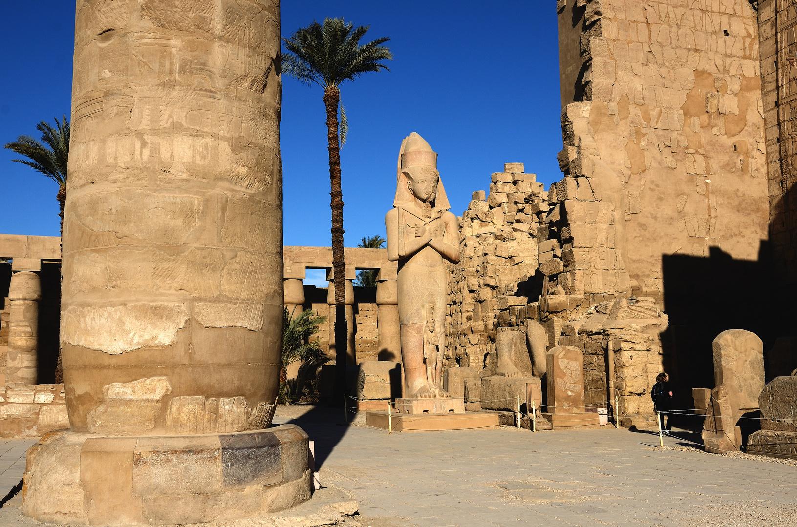 Statue Ramses ll. mit Tochter Merit-Amun