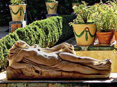 statue sensuelle et pulpeuse