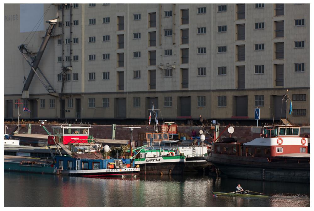 Stau im Hafen MA 3