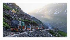 Stau im Himalaya