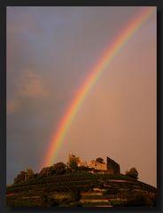 Staufener Burg mit Regenbogen, erstes Bild