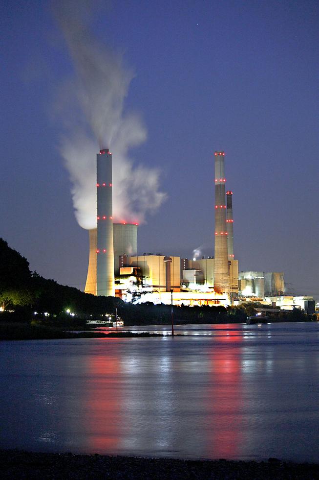 Steag Kraftwerk Voerde mit Rhein