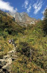 Steiler Aufstieg beim Annapurna Base Camp Trek (A.B.C.)