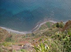 Steilküste, Blick in den Abgrund ...
