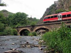 Steinbogenbrücke bei Walporzheim mit Talent