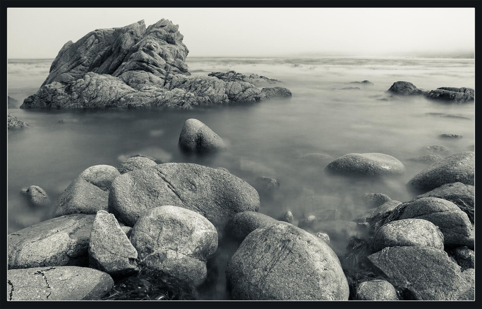 Steine die im Wasser ruhen