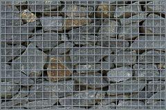 Steine hinter Gittern ...