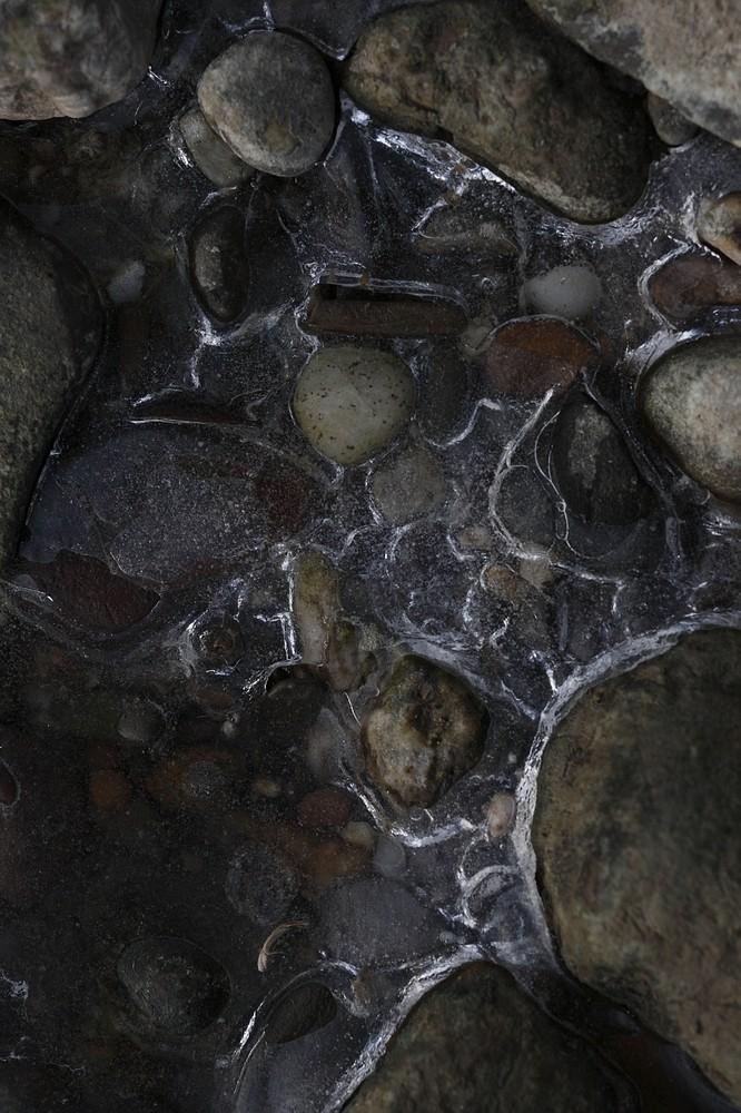 Steine im Eis