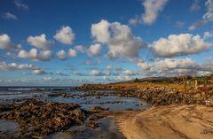 Steine, Wasser und Wolken