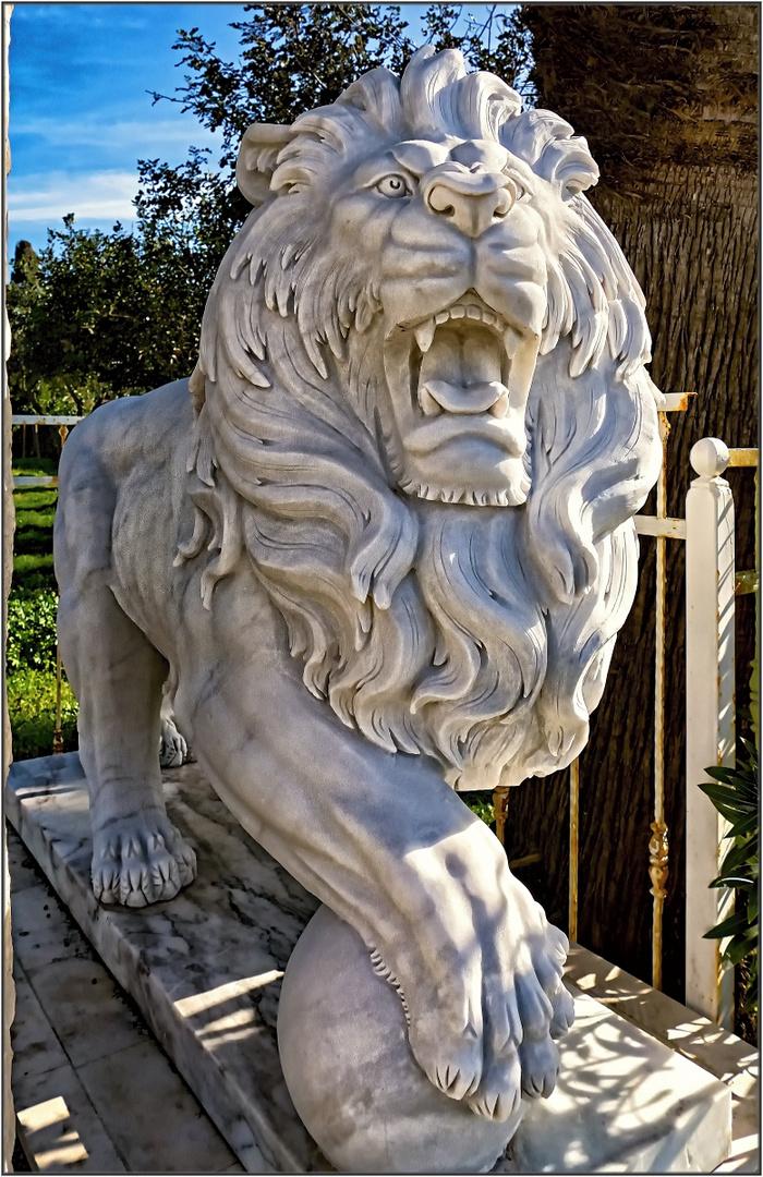 Steinerner Löwe
