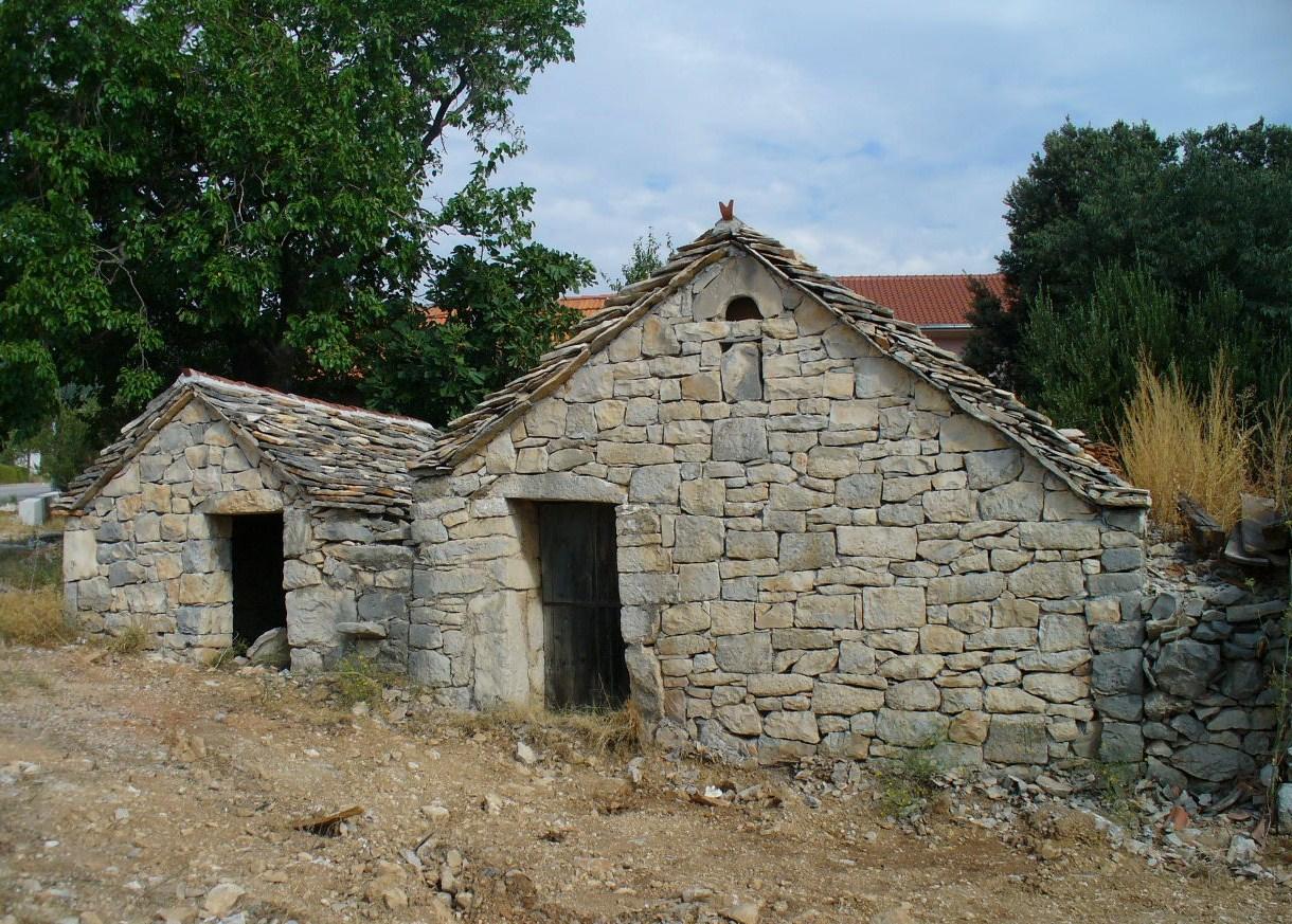 Steinhaus in Kastel-Rudine
