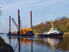 Stelzenponton MP 45 auf dem Nord-Ostsee-Kanal
