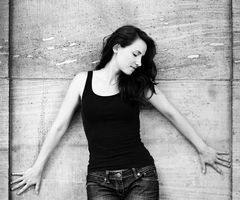 Stephanie Neigel 6