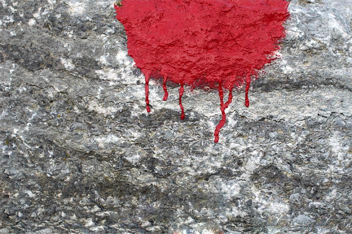 Steter Tropfen rötet den Stein