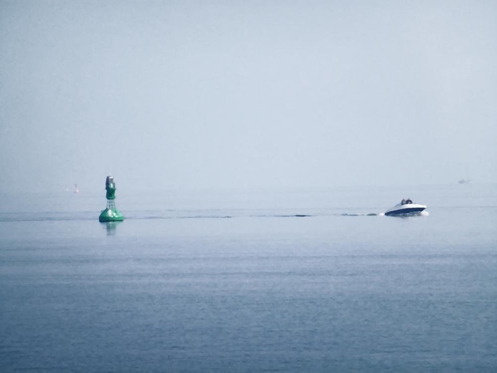 "Steuerbordtonne und Motorboot ""in Öl"""