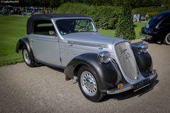 Steyr 220 Werkscabriolet 2-Fenster  A 1938 bei den Classic Cars Schwetzingen