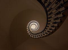 Stiegenaufgang - Stiege links